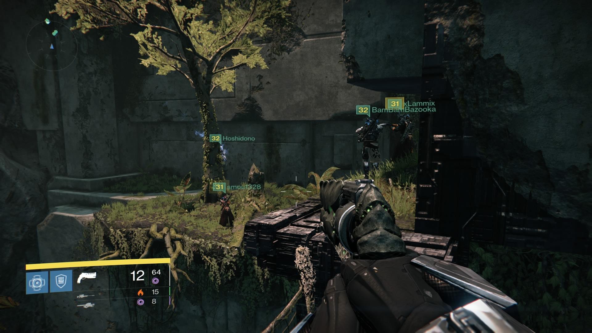 """Beschäftigungstherapie: Der Endgame-Content von Destiny ist sehr schnell durchgespielt, da muss man schon selbst für Abwechslung sorgen. Etwa bei einem Spaziergang durch einen verstecken Bereich im Sechs-Spieler-Raid """"Die Gläserne Kammer""""."""
