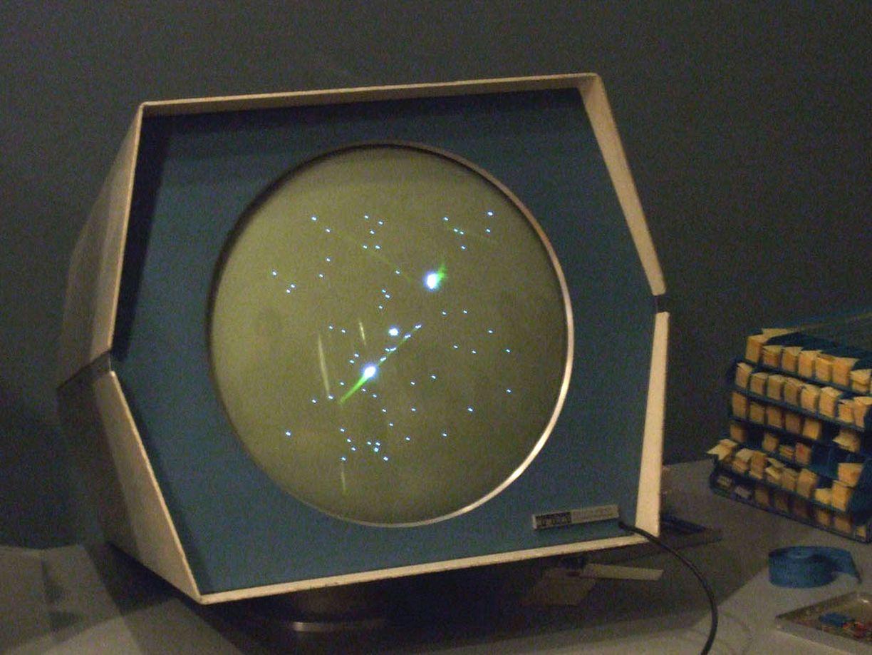 Spacewar! (1962): Gewalt war in verschiedenen Abstufungen und Formen schon immer ein Bestandteil von Computerspielen.