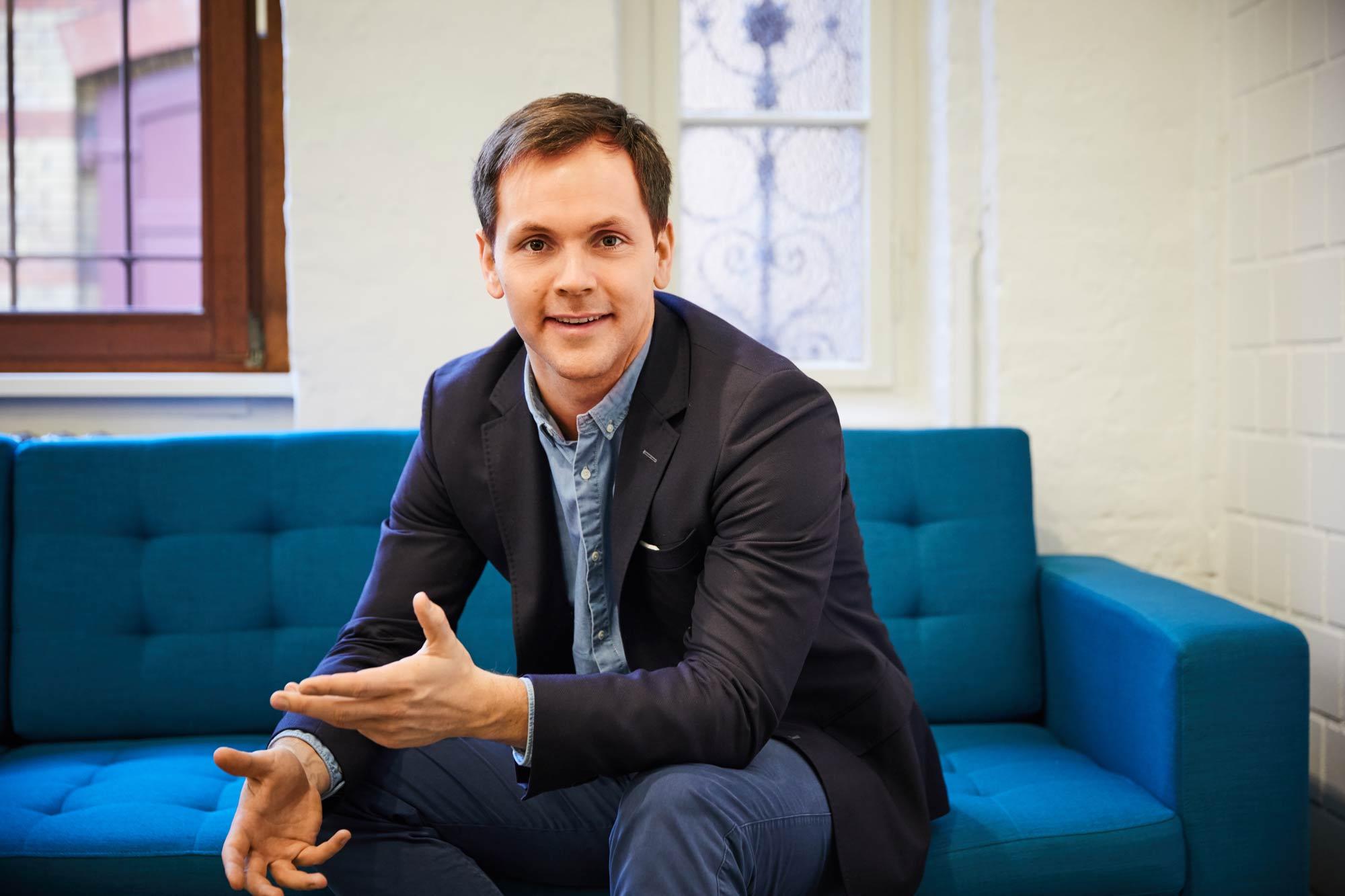 Philipp Schröder (33) ist als Geschäftsführer Vertrieb und Marketing für die globale Expansion von sonnen in Deutschland, Italien, Großbritannien, Australien und den USA sowie die Einführung der sonnenCommunity verantwortlich. (Quelle: sonnen GmbH)